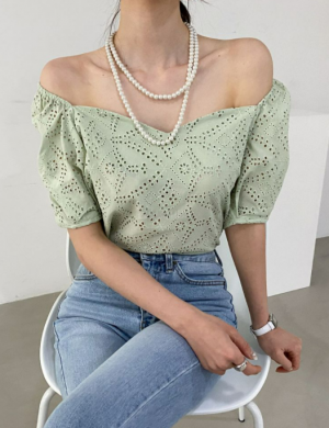 Heart neck off shoulder punching fabric blouse