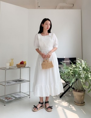 Lovely Sleeveless Apron Dress with Lace